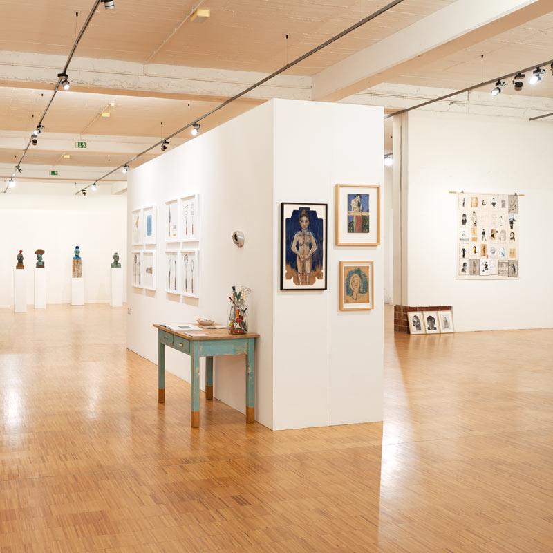 Portrait von mir in der Ausstellung