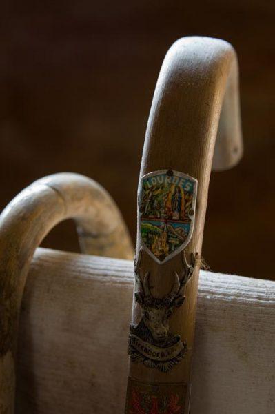 Spazierstock mit Stocknagel aus Lourdes